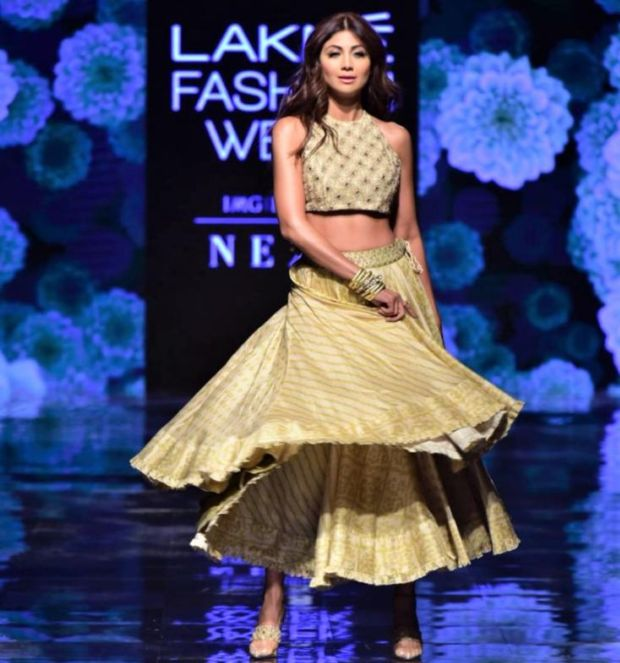 Shilpa Shetty Twirls At The Ramp In Elegant Lehenga Look At Lakme Fashion Week 2019