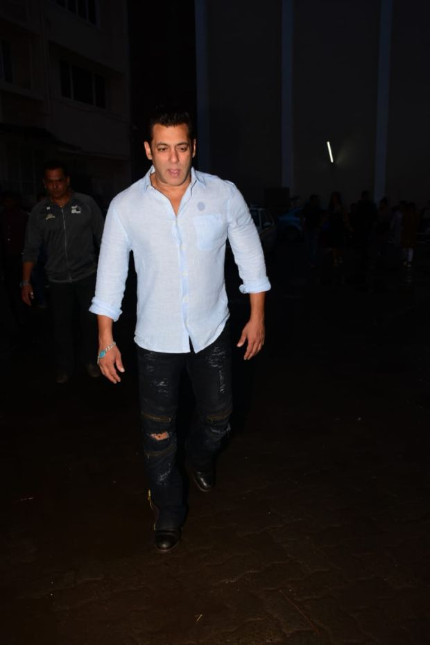 Salman Khan And Katrina Kaif Promote Bharat Movie In Monocrome Outfit
