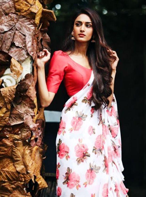 Erica Fernandes Aka Prerna Bajaj Stealing Hearts In Saree