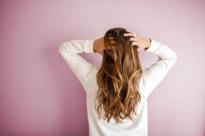8 Easy Natural Ways To Make Your Hair Grow Faster & Longer