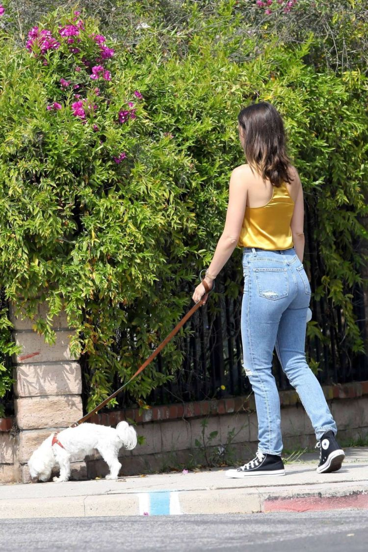 Pretty Ana De Armas Candids In Jeans Out In Venice