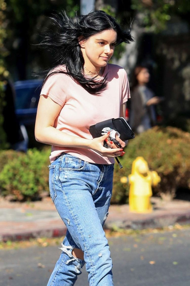 Ariel Winter Candids Outside The Nine Zero One Salon In West Hollywood