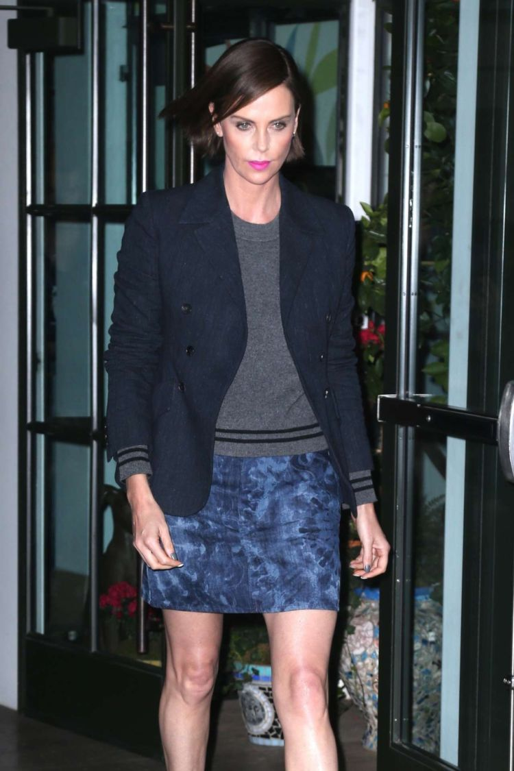 Charlize Theron Heading Towards 'Late Night with Seth Meyers' In New York
