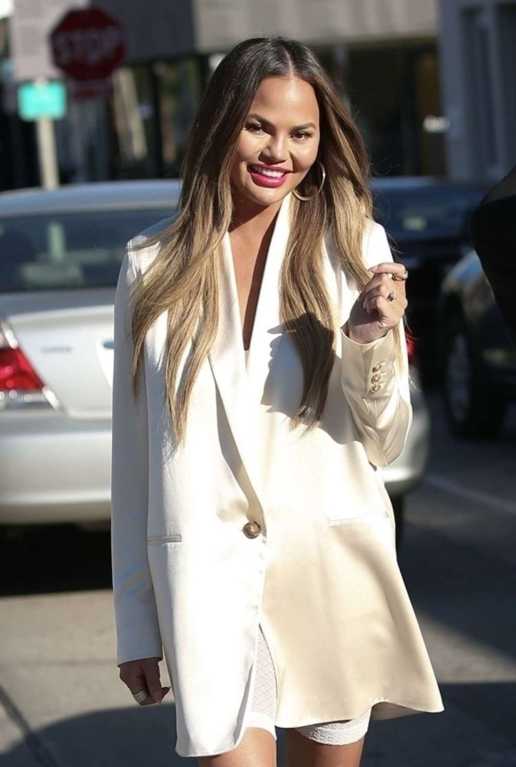 Chrissy Teigen Goes For Lunch At Olivetta In West Hollywood