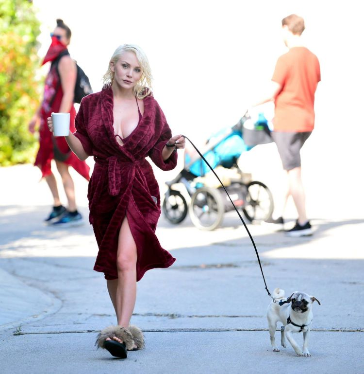 Courtney Stodden Walking Her Dog Out In Los Angeles