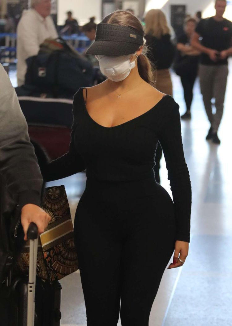 Demi Rose Mawby Candids In Black At Los Angeles Airport