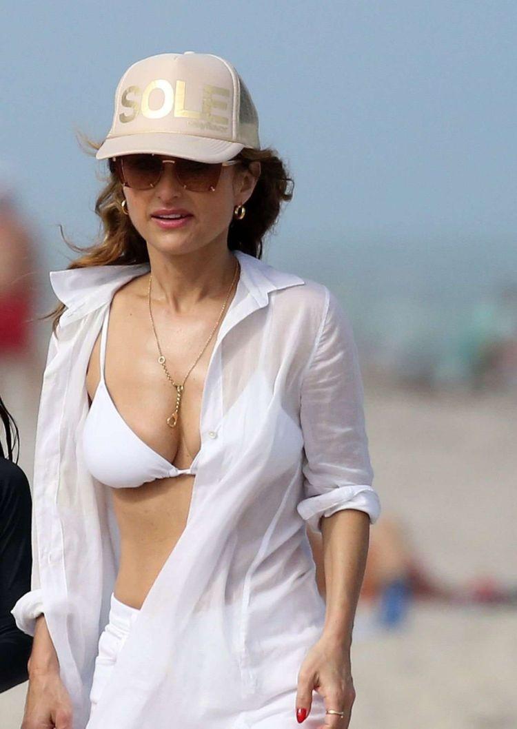 Giada De Laurentiis Candids In White Bikini At A Beach In Miami
