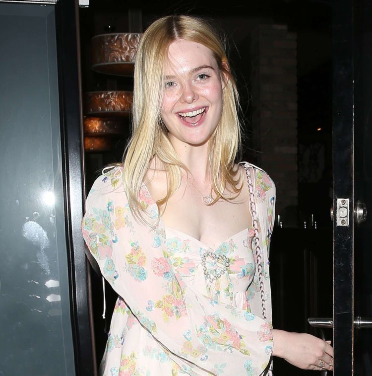 Pretty Elle Fanning Walking To Dinner At Craig's In West Hollywood
