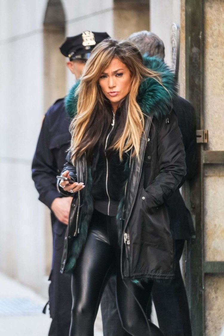 Jennifer Lopez Shooting On The Set Of Hustlers In New York