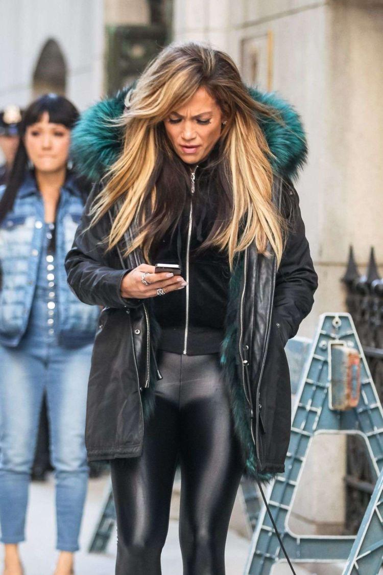 Jennifer Lopez Shooting On The Set Of Hustlers In New York