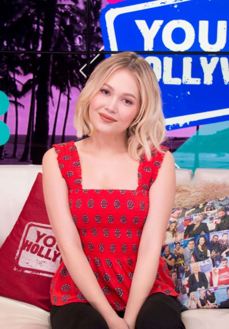 Kelli Berglund At The Young Hollywood Studios In LA