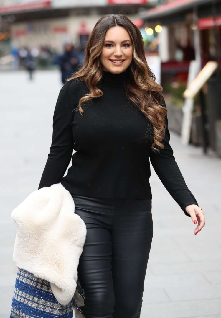 Gorgeous Kelly Brook Leaving Heart Radio In London