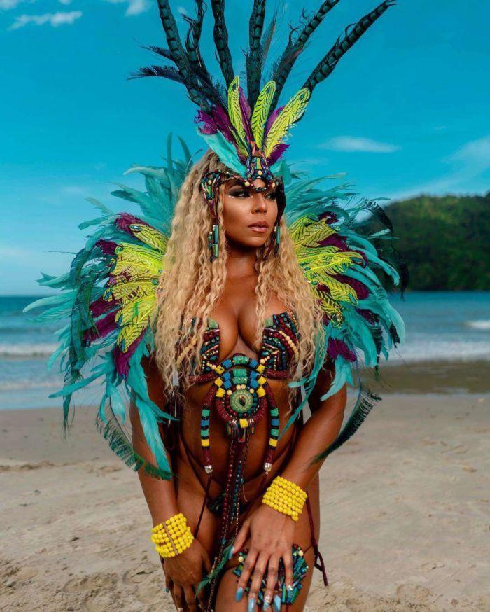 Ashanti Performing At The Carnival In Trinidad And Tobago