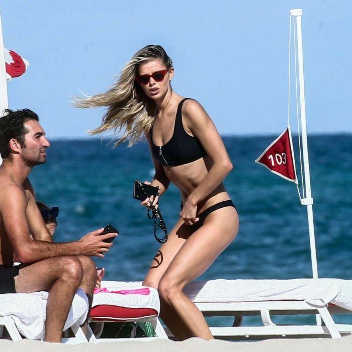 Danielle Knudson In A Black Bikini On A Boat In Miami