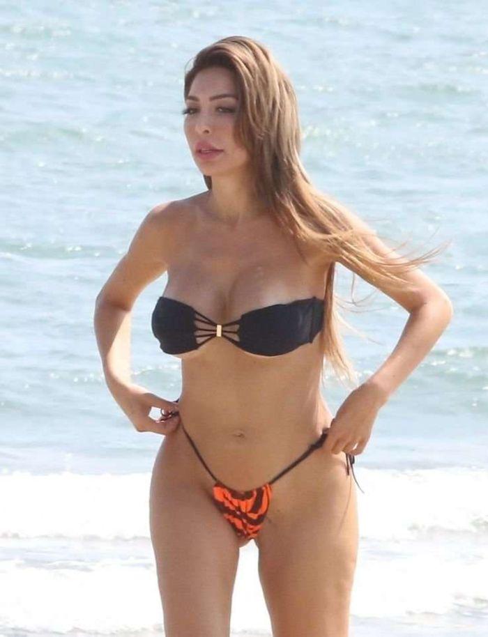 Farrah Abraham Vacationing In Bikini At The Beach In Venice