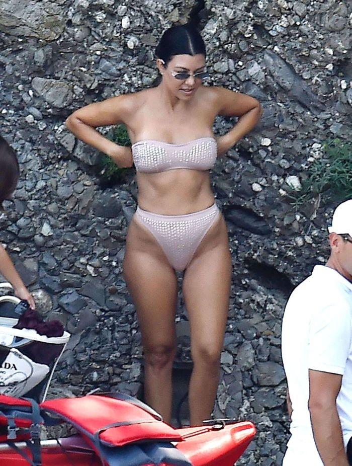 Kourtney Kardashian Kayaking In A Bikini In Portofino