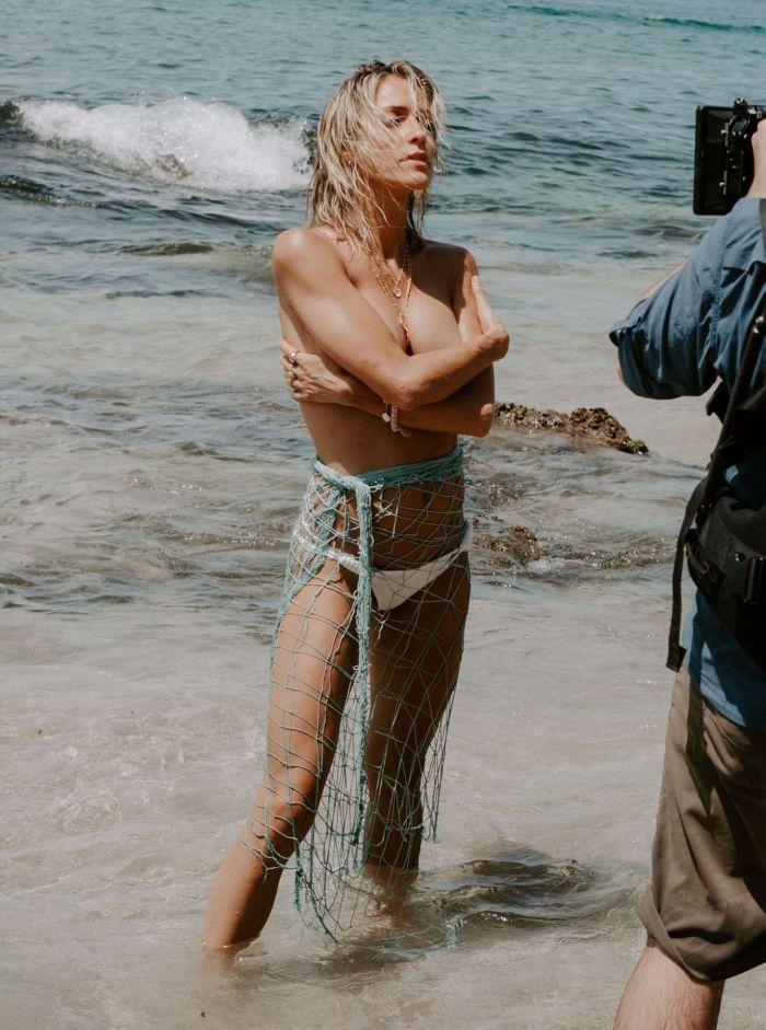 Kristin Cavallari Poses For A Photoshoot At A Beach In Mexico