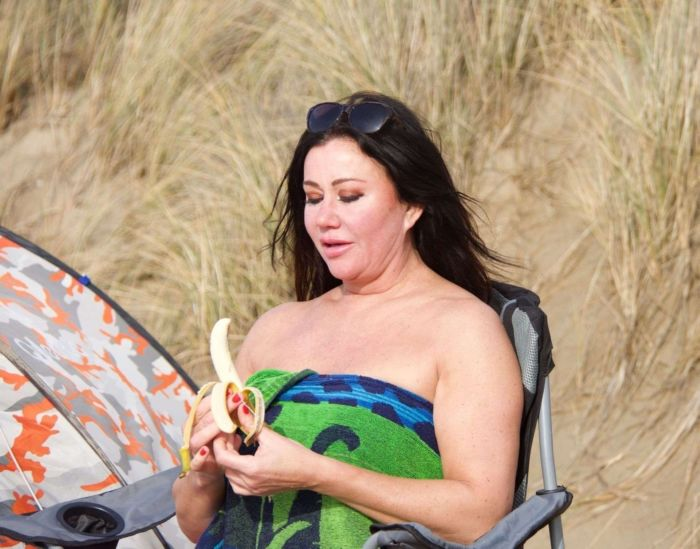 Lisa Appleton Camping At The Beachside